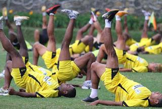 http://tutorialolahraga1.blogspot.com/2015/09/cara-melatih-daya-tahan-fisik.html