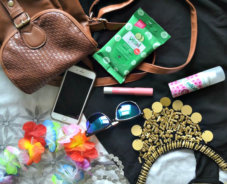 whats-in-my-bag-festival-essentials