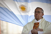 Ayer fue un día histórico para la iglesia católica y también para . jorge mario bergoglio el papa