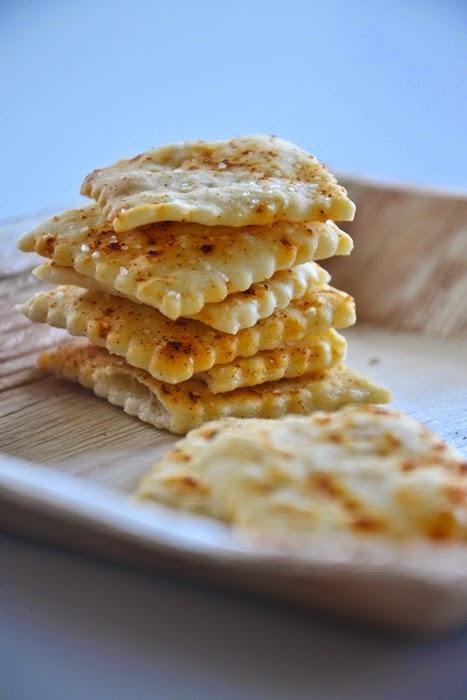 crackers alla paprika dolce con pasta madre non rinfrescata