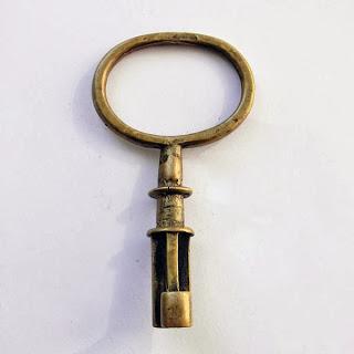 """Оберег """"Ключ"""" купить интерьерное украшение для дома"""