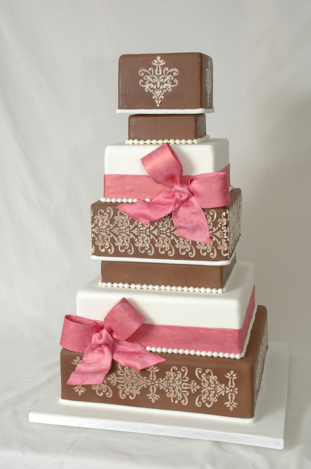 Sweet Eats Cakes: More Wedding Cakes