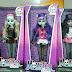 Bonecas do demônio são vendidas livremente nos mercados e shoppings