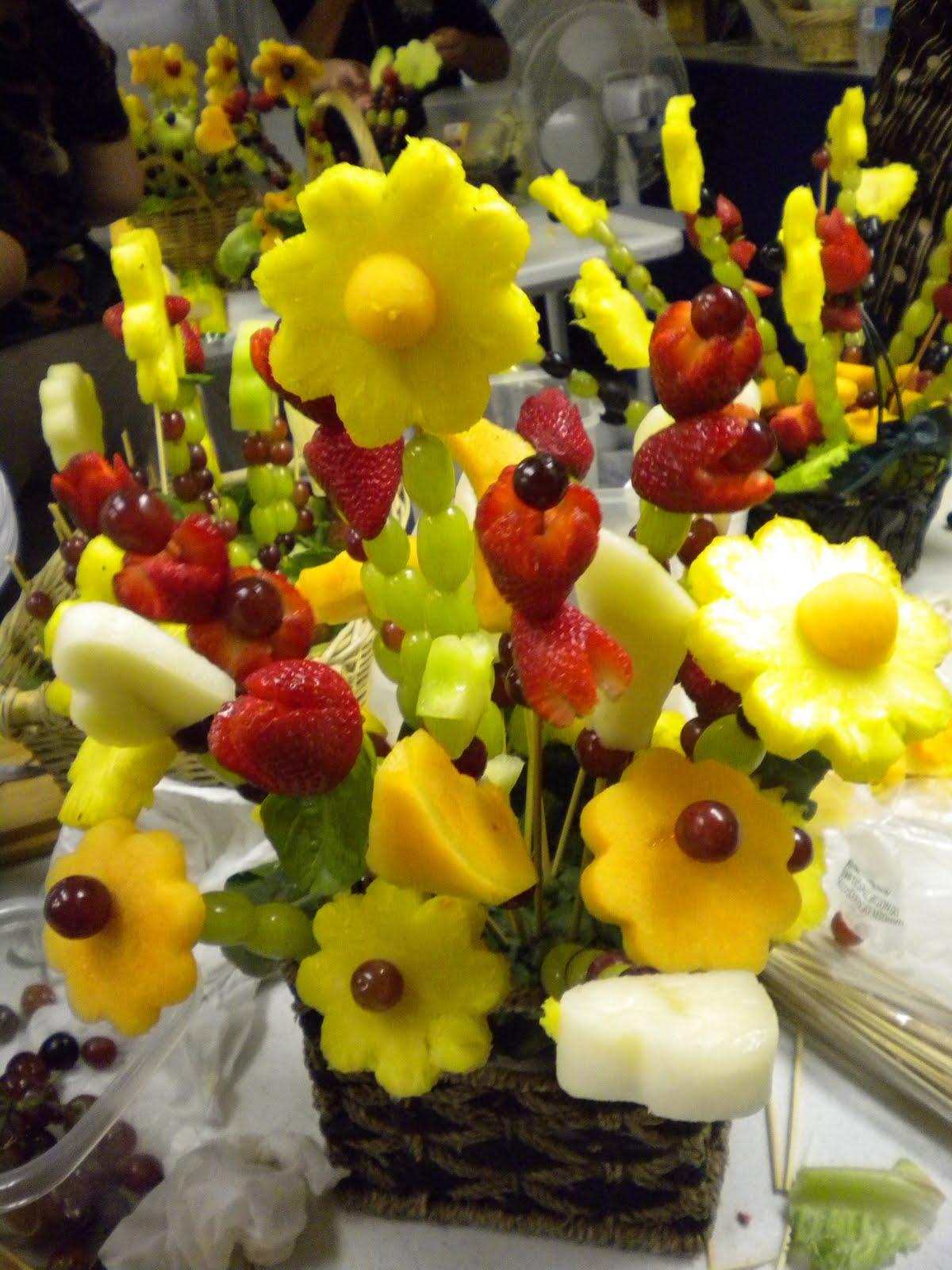 how to make edible fruit arrangements