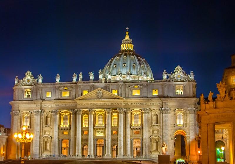 the vatican city night lights