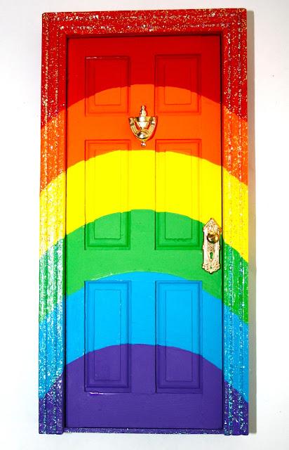 Раскраска дверей своими руками 71