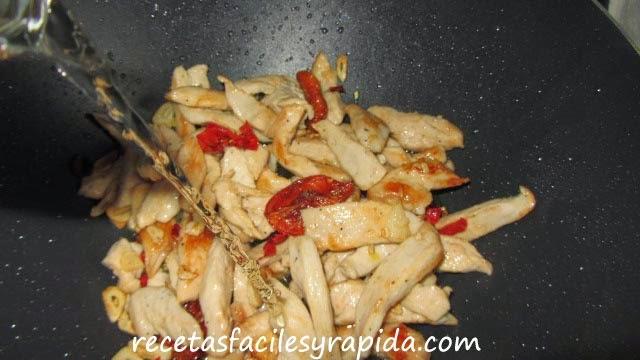 pollo especiado al sauvignon
