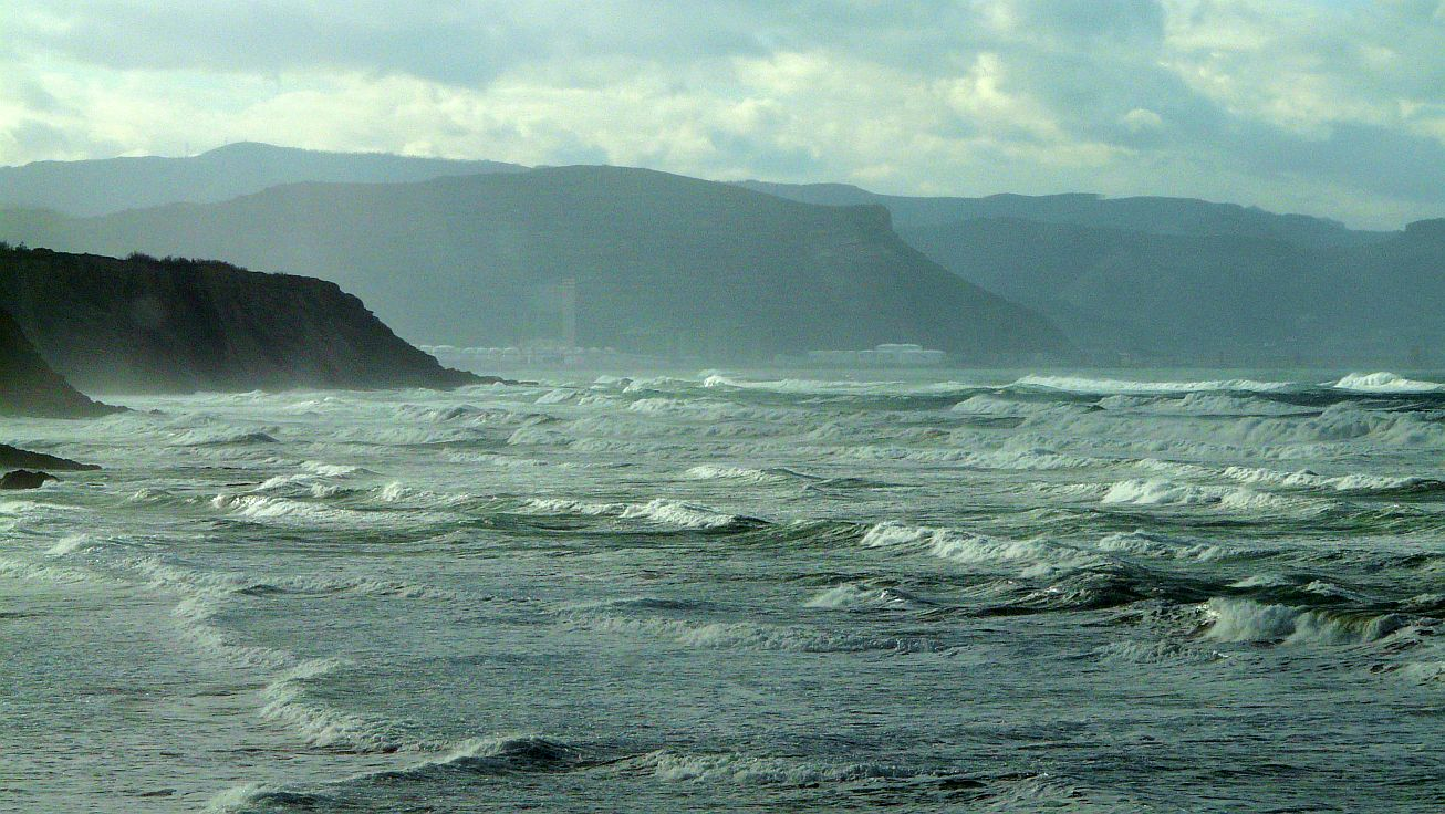 sopela surf olas