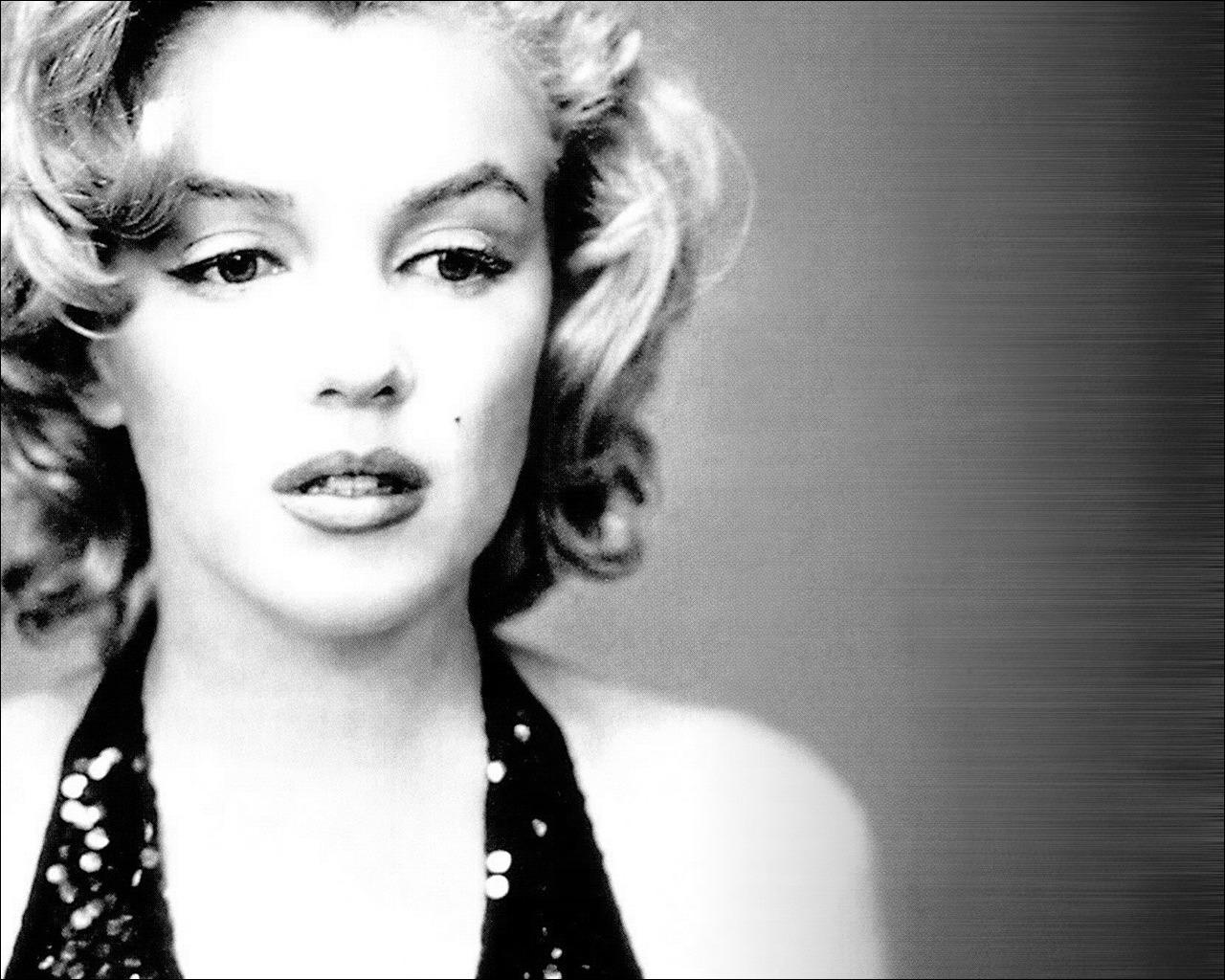 http://1.bp.blogspot.com/-ZumHEvl0yTY/TlSuIpef3SI/AAAAAAAAALo/cCCuM7WbTwc/s1600/136991-Marilyn-Monroe-Screen-Saver.jpg