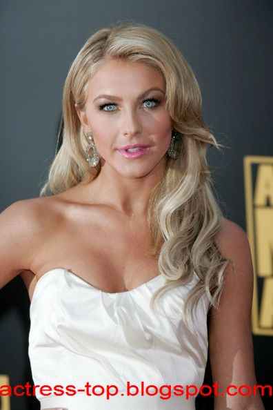 Julianne Hough Actress Top Sexy Singer Female 2012