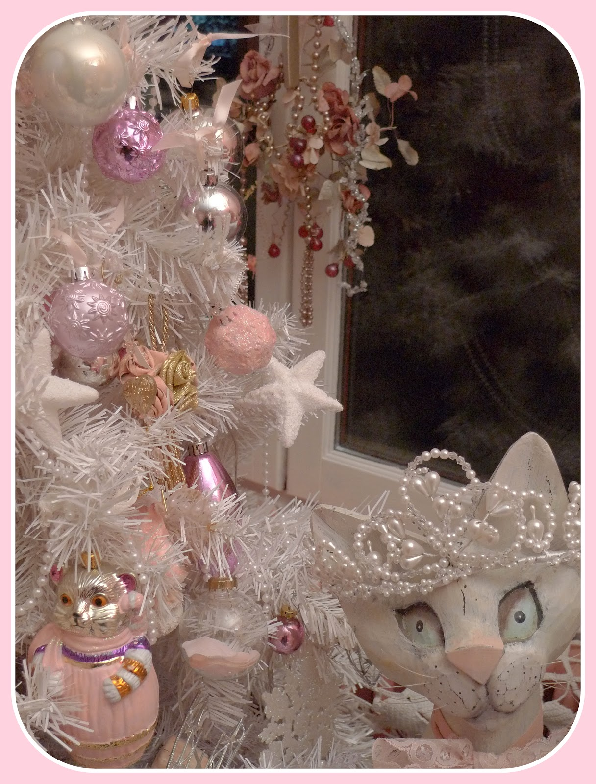 My shabby french life sapin shabby avec chat - Boules de noel anciennes ...