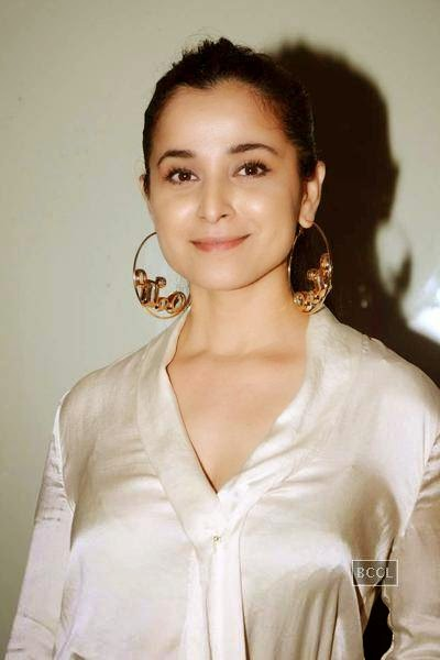 Beautiful Simone Singh HD Wallpaper