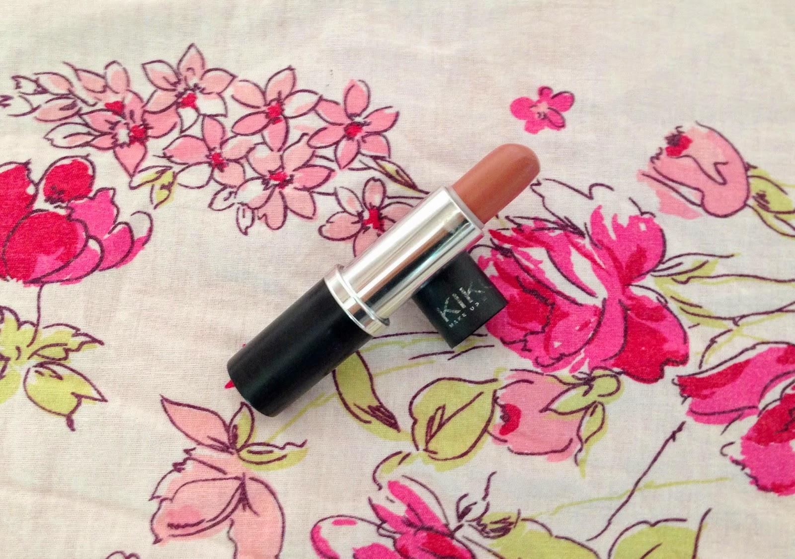 Letmecrossover_project_pan_ten_10_beauty_blog_products_mac_vc_avon_revlon_lip_butter_kiko_milano_lipstick_pink_nude