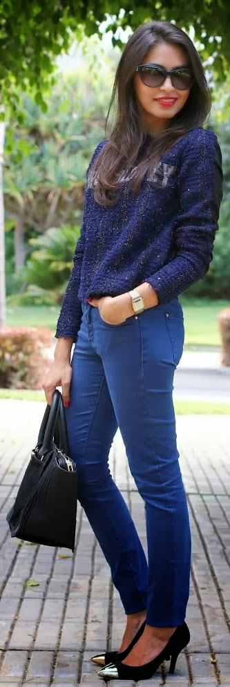 Dark Midnight Blue Long Sleeve Sweater With Lapis Lazulr Pent And Black Heel