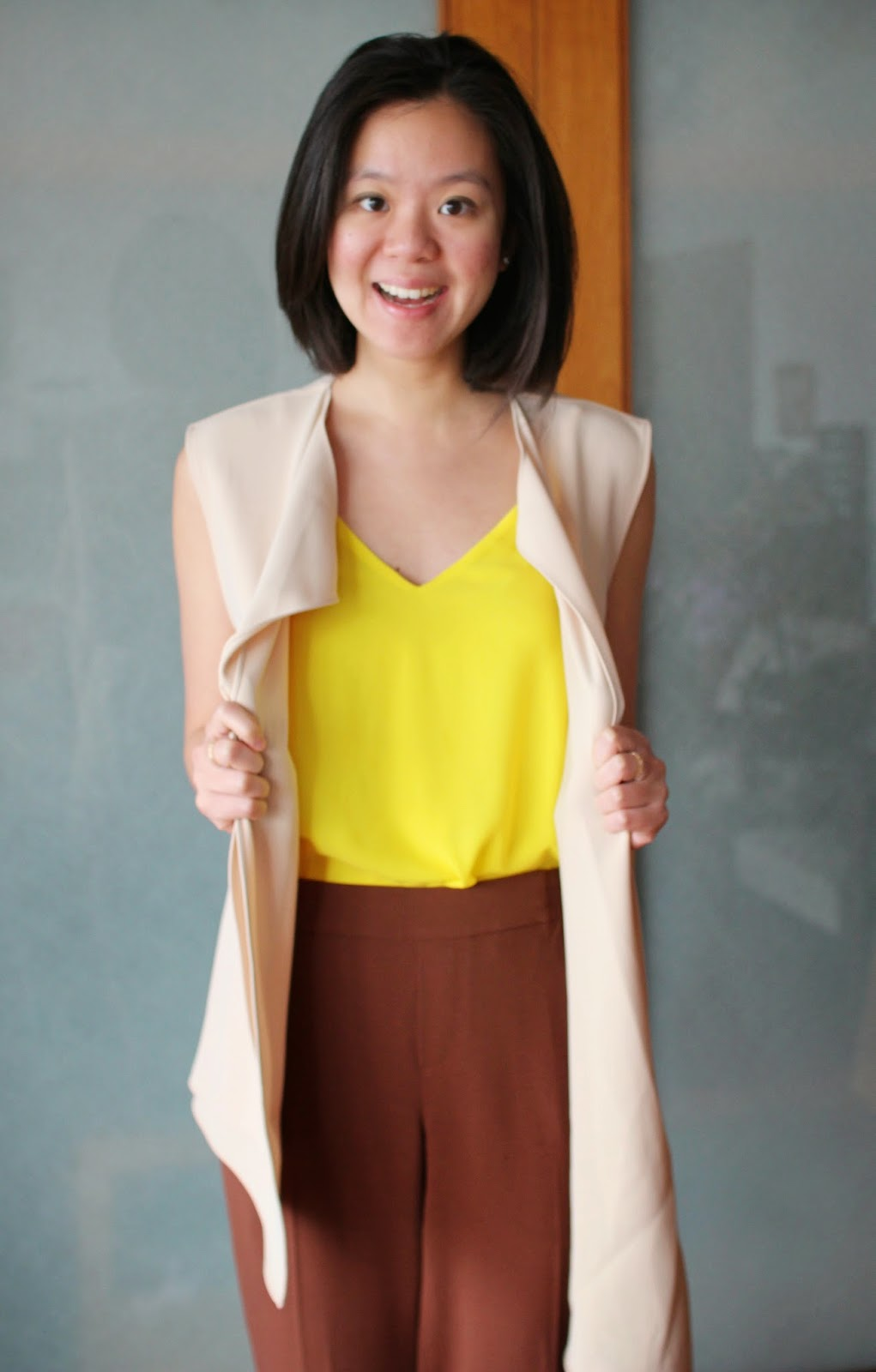 vest for spring, how to wear a vest, spring outfit, bright colors for spring, casual friday, wear to work, professional woman, work wear