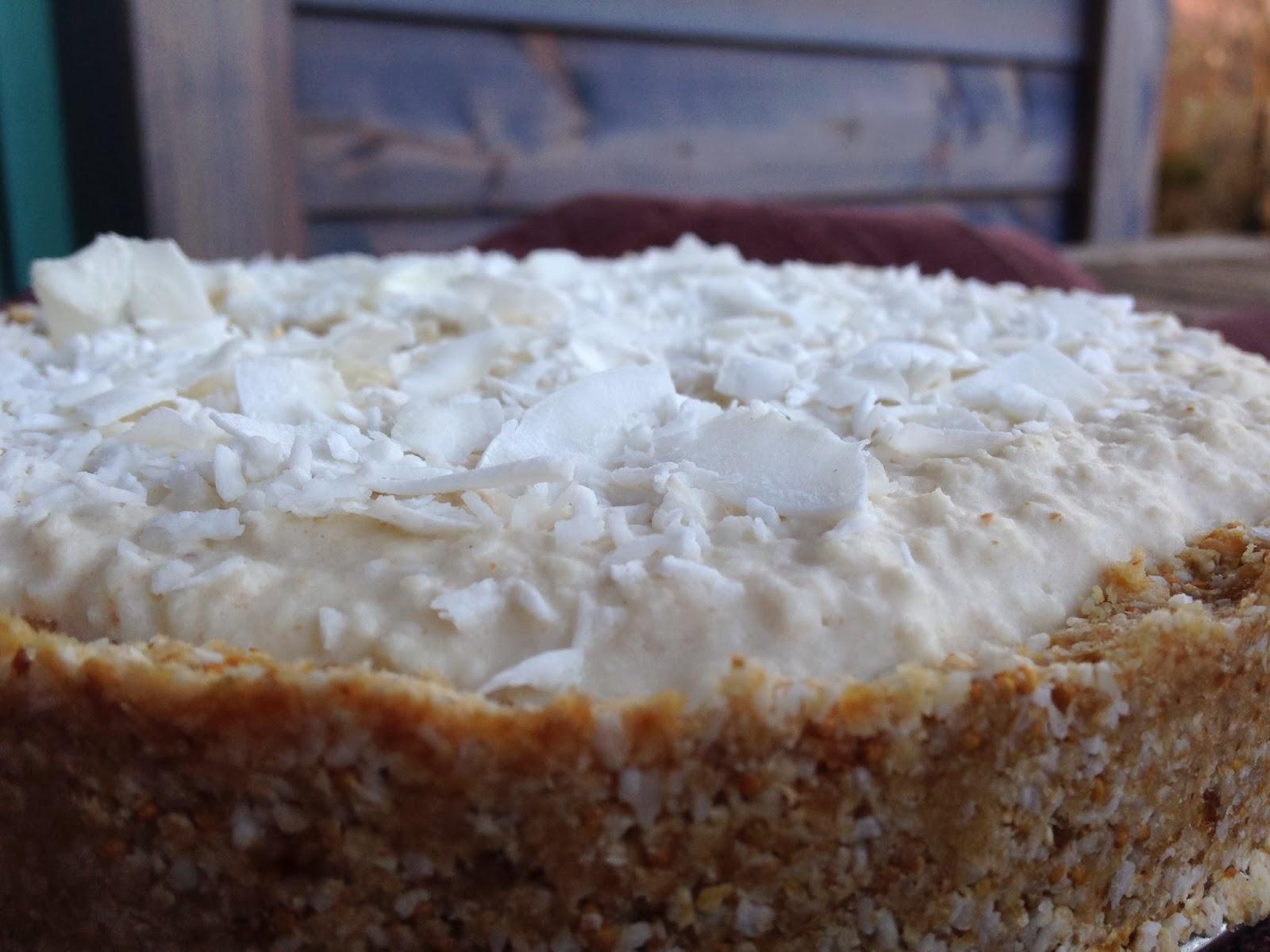 Surowa tarta z kremem kokosowym Rafaello RAW