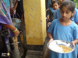Akshaya-Patra-Beneficiary-In-Puri.jpg