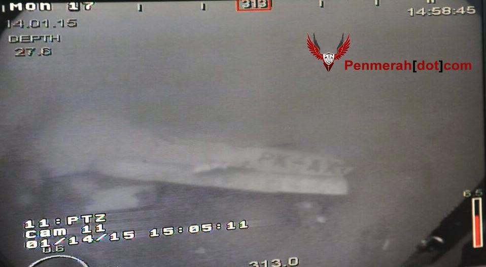 2 Foto Gambar Jelas Badan Pesawat Malang Airasia QZ8501 Ditemui