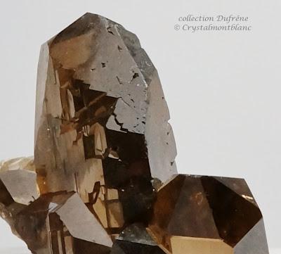 gwindel composé de quartz fumé et qui a été trouvé dans le Mont-Blanc par des cristalliers