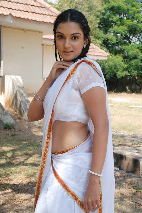 spicy of upcoming movie kantharvan latest photos