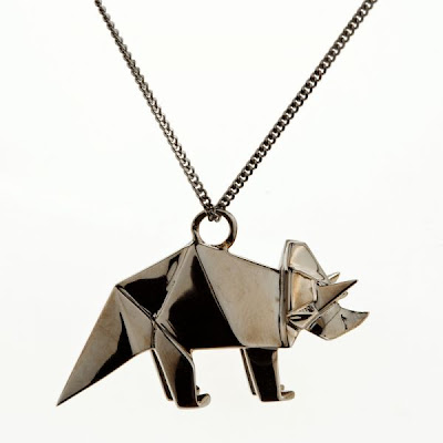 triceratops necklace, triceratops pendant, dinosaur necklace,