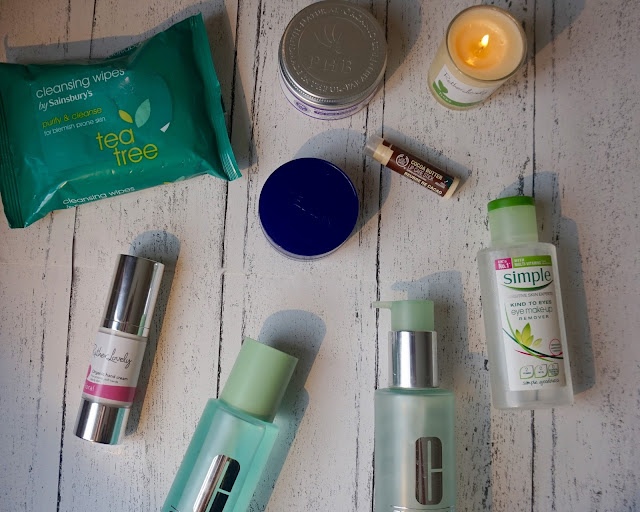 beauty blogger, bedtime beauty routine, candle, clarifying lotion, clinique, hand cream, hannah rose, hanrosewilliams, lipcare stick, night cream, nivea, phb face mask, rather lovely, the body shop, wipes, simple, kind to eyes,