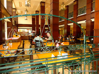 restaurant of BayView Park Hotel Manila