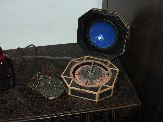 Как сделать компас джека воробья своими руками 96