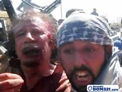 Gambar Beberapa Saat Sebelum Gaddafi Ditembak Mati