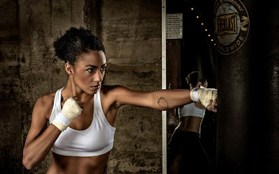 Beautiful Boxer Girl Training Hard 2013 Hd Desktop Wallpaper