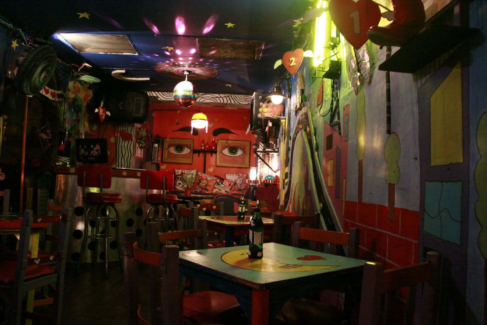 Decoracion bar karaoke - Decoracion de bar ...