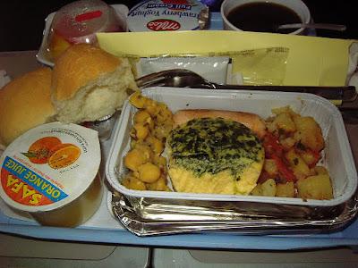 breakfast dalam kapal terbang