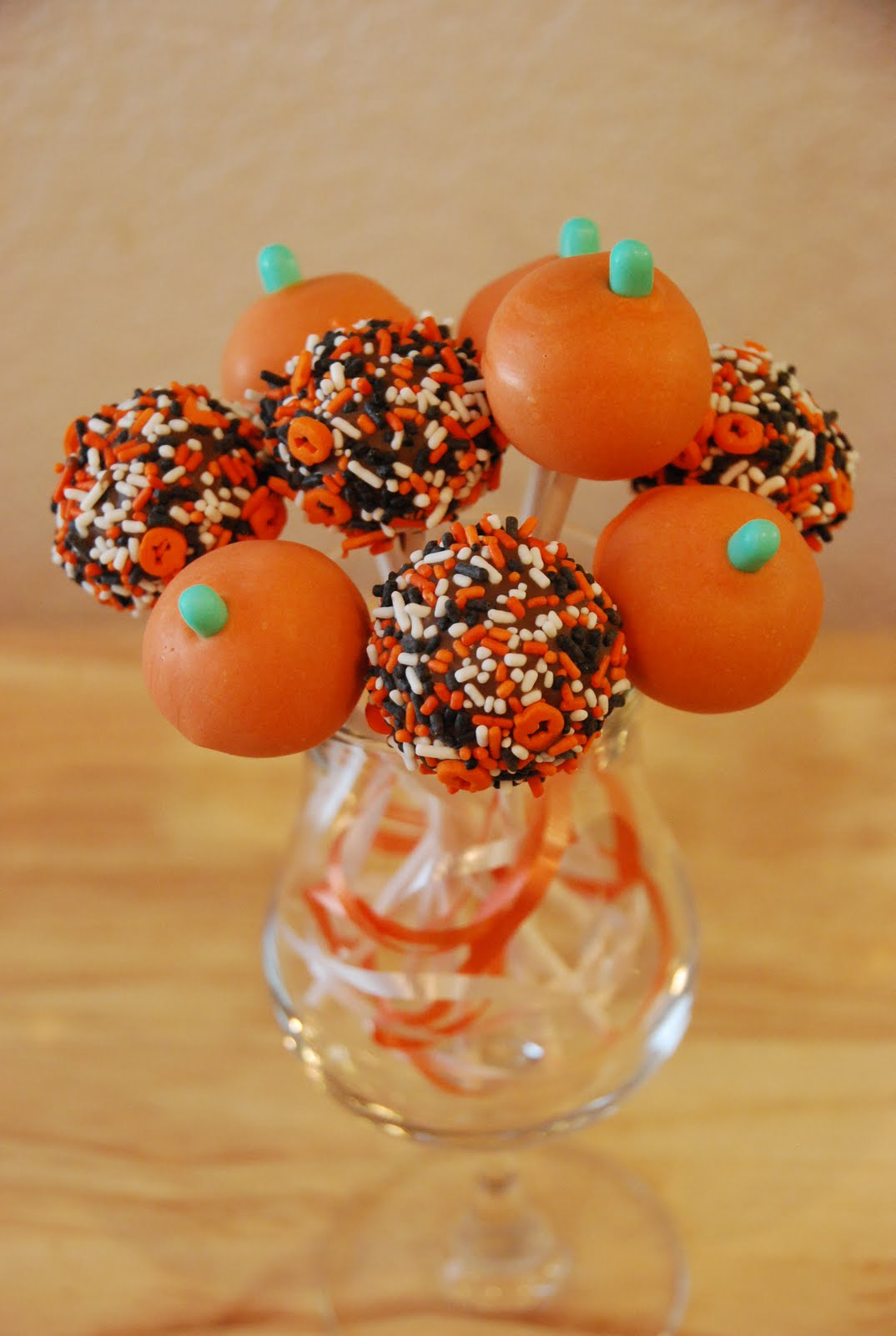 Creative Cakes By Rochelle: Halloween Cake Pops