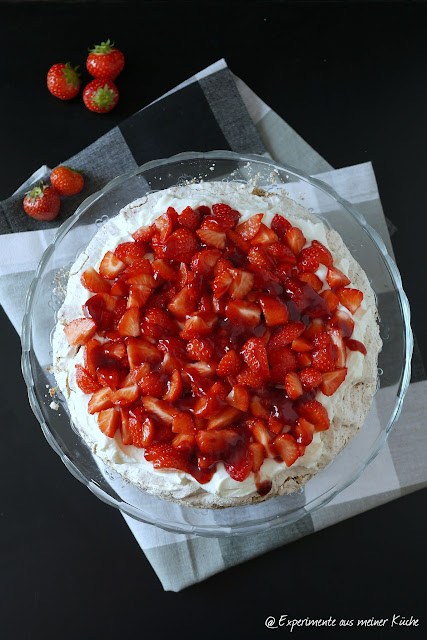 Experimente aus meiner Küche: Lavatorte mit Erdbeeren
