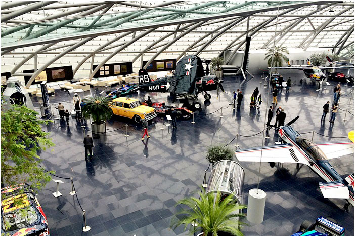 lovely places :: Carpe Diem Lounge-Café im Hangar 7