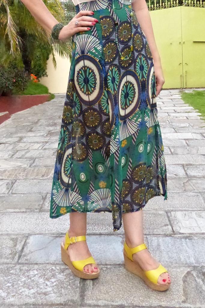 Printed green skirt