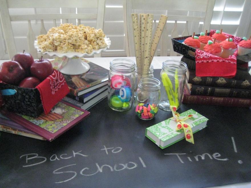 Decoraci n de fiesta de cumplea os regreso al colegio for Decoracion escuela