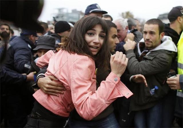 """Репортери на """"Ройтерс"""" също отразиха вчерашния протест в София - снимки"""