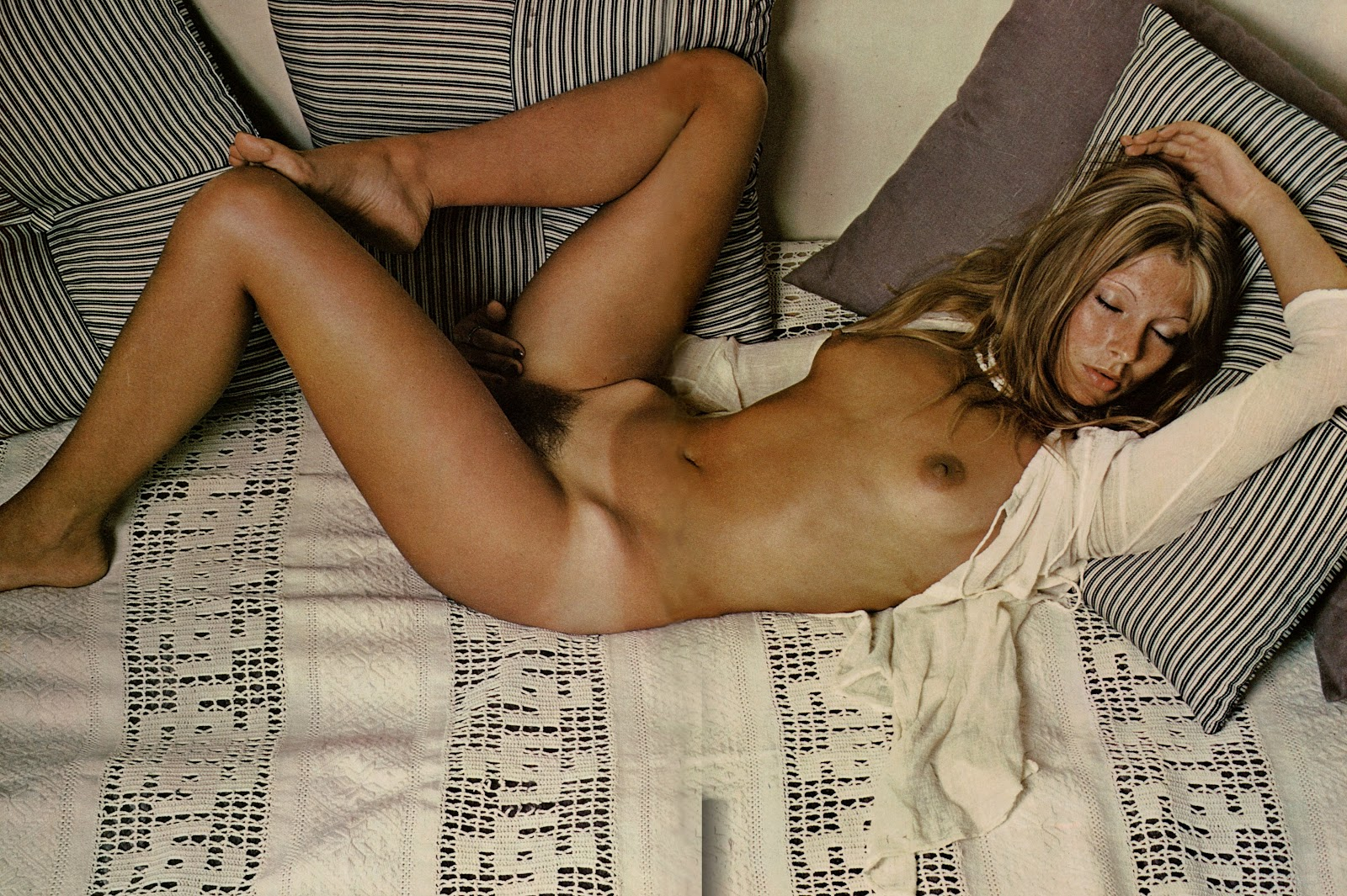 shannon doherty naked