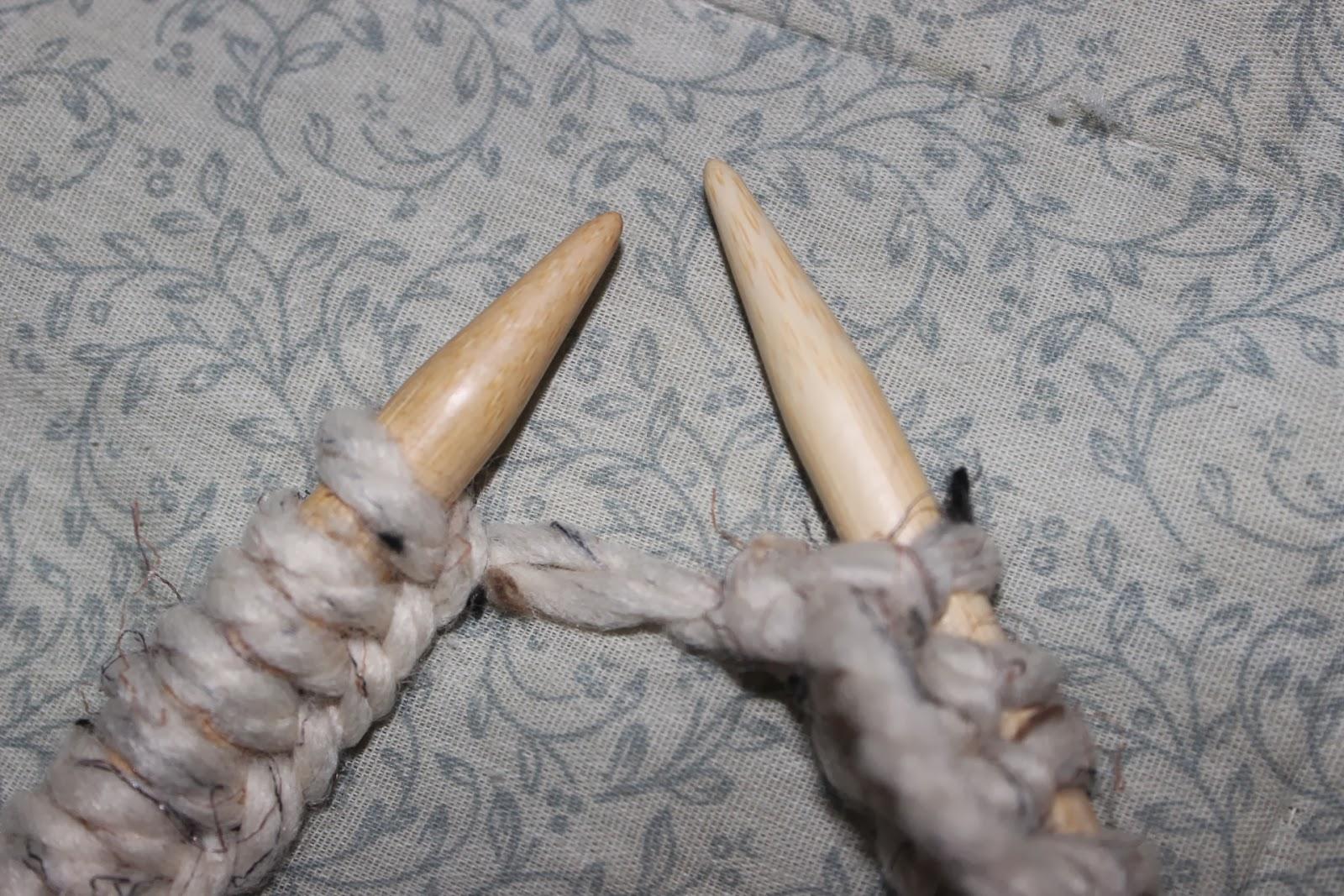 Knitting Long Tail Cast On Circular : Rustic farm living easy long tail cast on knitting tutorial