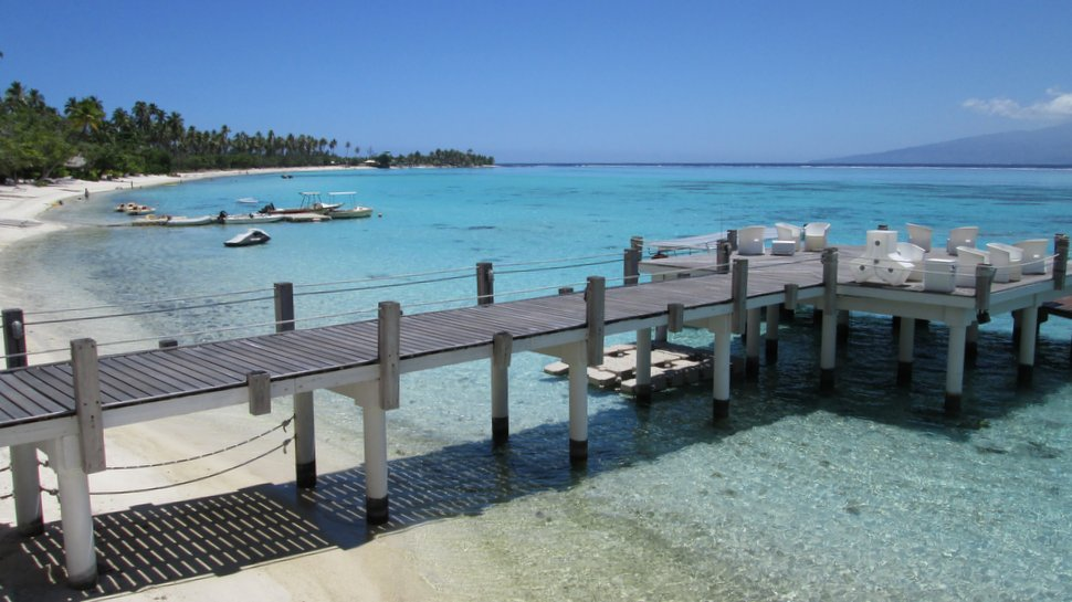 Ponton bois du Sofitel Moorea Ia Ora Beach Resort