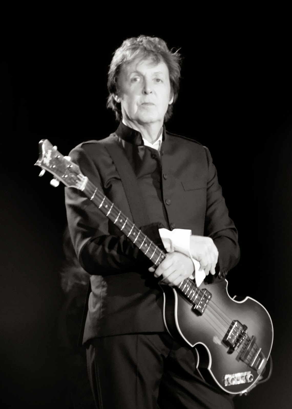 http://en.wikipedia.org/wiki/Paul_McCartney