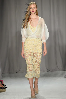 robe haute coutre defile marchesa new york fashion week vanessa lekpa
