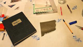 wisior mini książka DIY