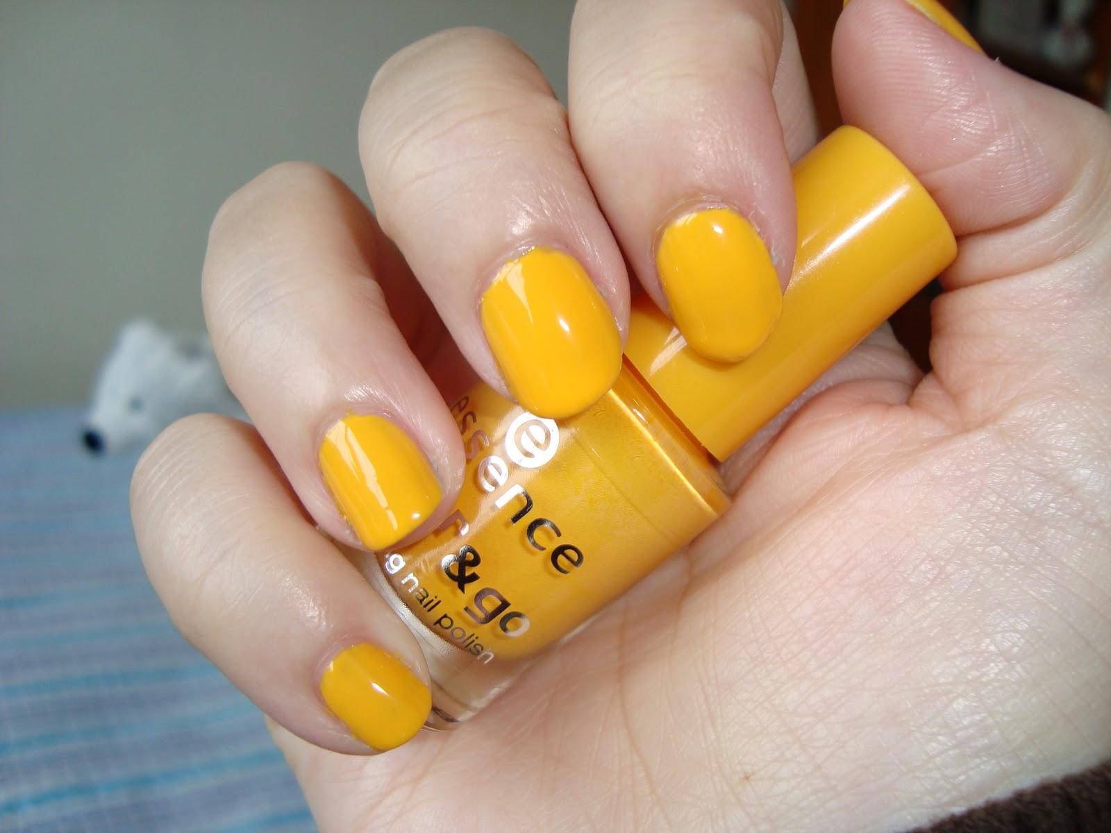 Vilcis nail designs: Desafío 31 días - Día 3 - Uñas amarillas