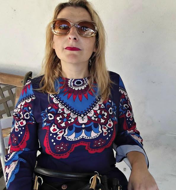 http://www.shein.com/Purple-Long-Sleeve-Vintage-Print-Dress-p-217862-cat-1727.html?utm_source=paroleopereomissioni.blogspot.it&utm_medium=blogger&url_from=paroleopereomissioni