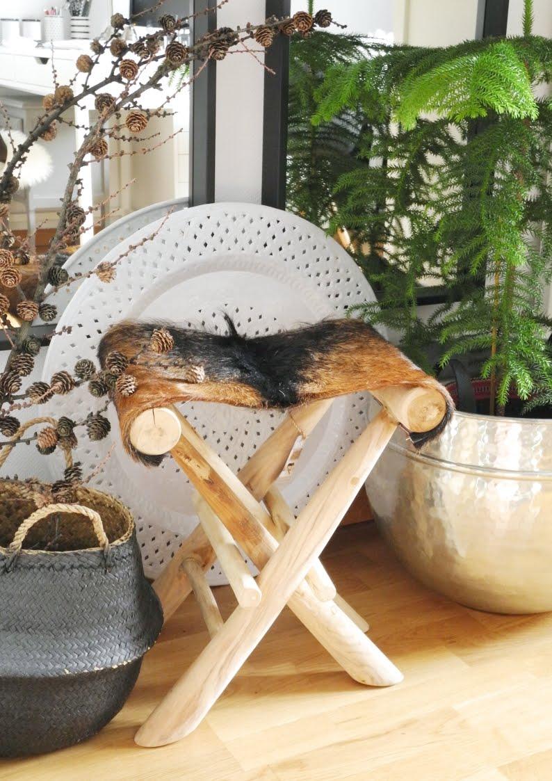 Stołek z drewna tekowego FUR