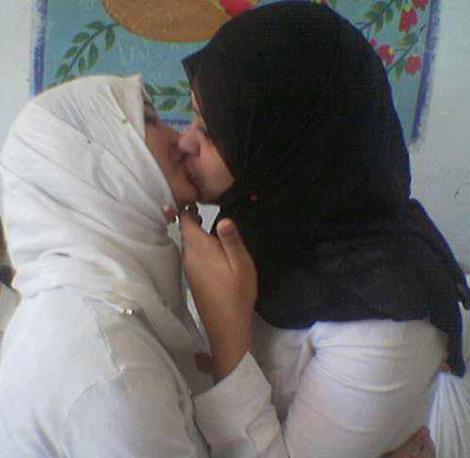 lesbian muslim porn Arab Muslim  girl flashing on cam.