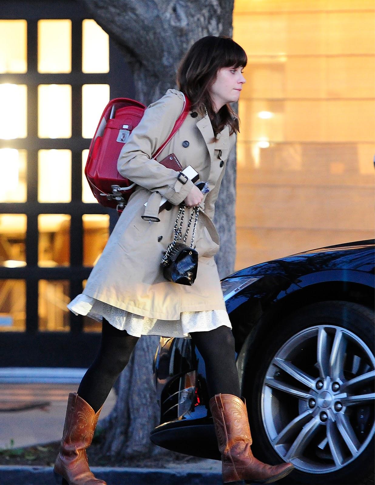 【速報】日本のランドセル 一流ハリウッド女優のプライベートバッグに使われる お洒落でワロタwwww