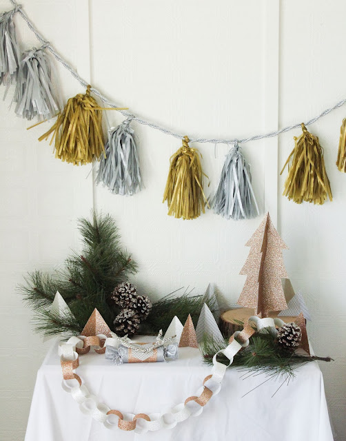 merry and bright christmas simple last minute holiday decor ideas